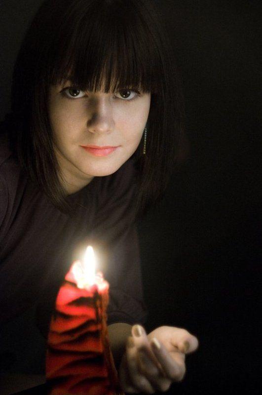 девушка,взгляд,свеча Пока горит....photo preview