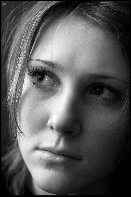 портрет, девушка, ч/б Она...photo preview