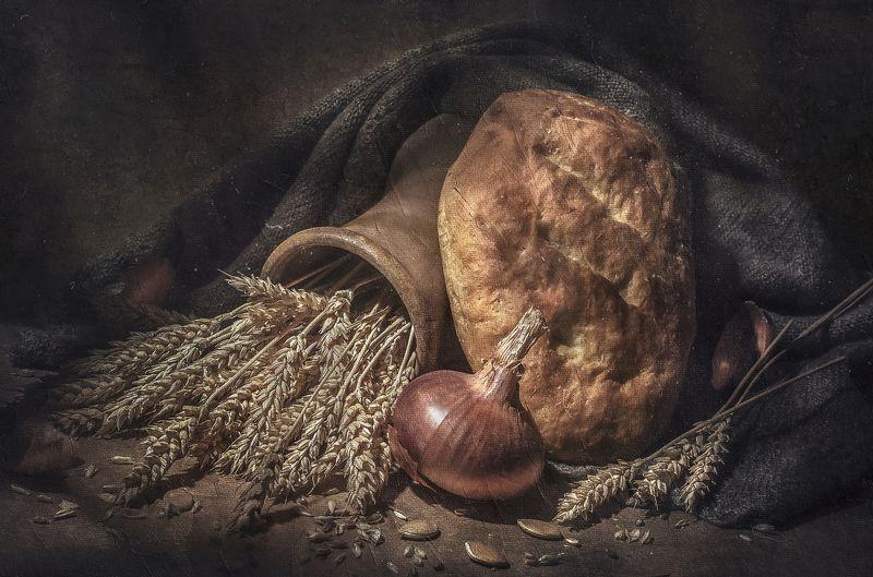 домашний хлеб,лук,колосья,кринка,шерстяной платок,тепло,дом,деревня,текстура,тыквенные семена Родное !photo preview