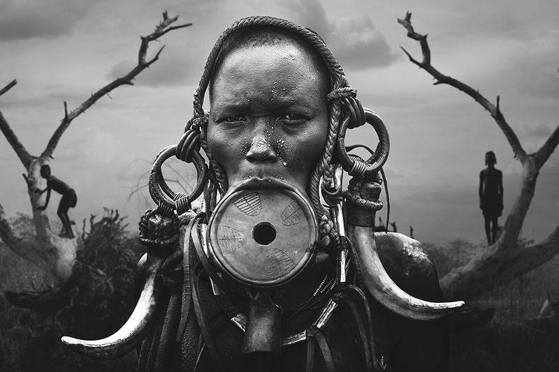 Portrait Woman Mursiphoto preview