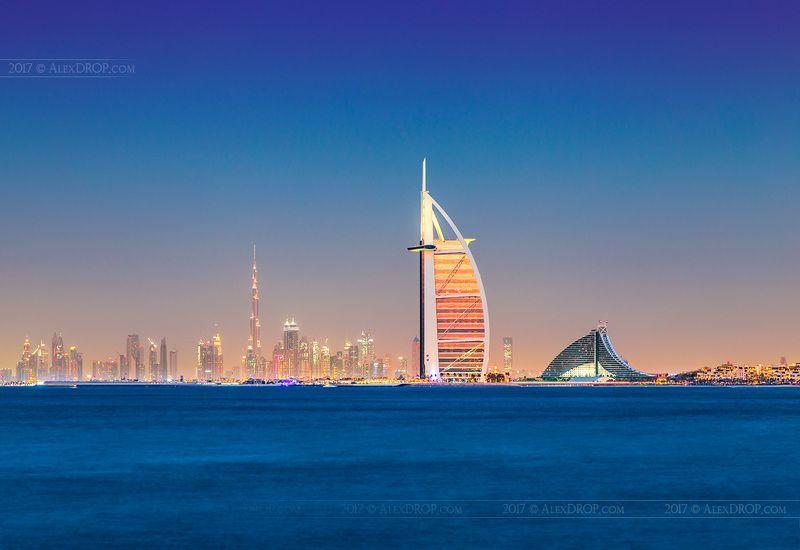 canon, postcard, picturesque, landmark, dubai, uae, arab, emirates, travel, urban, architecture, iconic, seescape, blue hour Золотой парусphoto preview