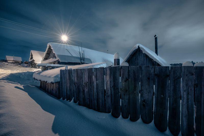 деревня, январь, мороз, снег, ночь, дом, забор, баня, свет, екимята, пермь Новогодние ночи в деревнеphoto preview