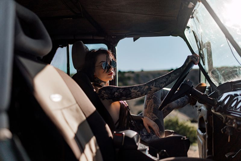 summer, car, girl, tatto, driver, sunglasses Тинаphoto preview