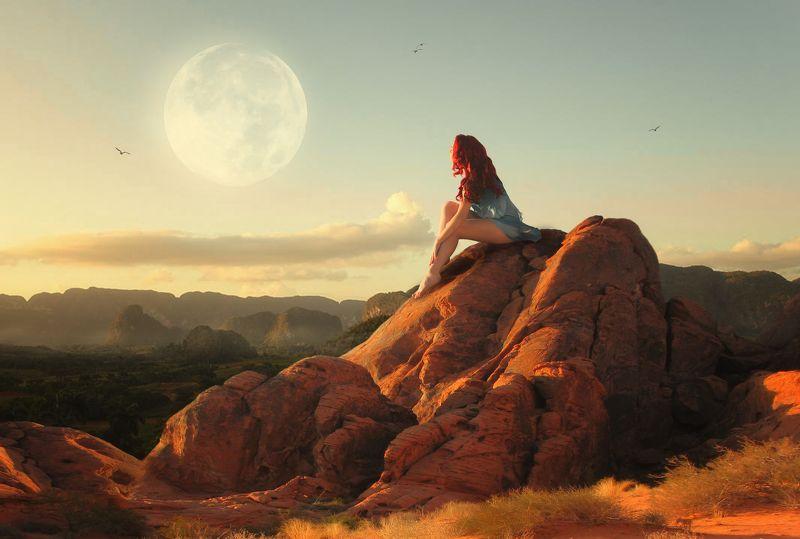 девушка, луна, горы *****photo preview