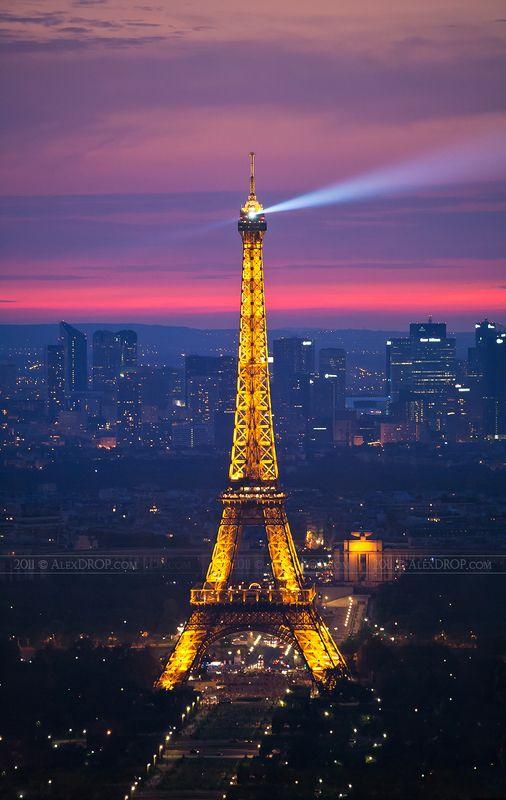 canon, color, postcard, picturesque, landmark, europe, france, paris, eiffel, tower, travel, urban, architecture, iconic, blue hour Самый известный \