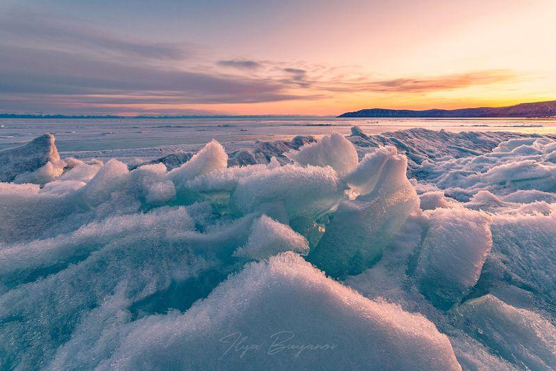 Байкал в апреле.photo preview