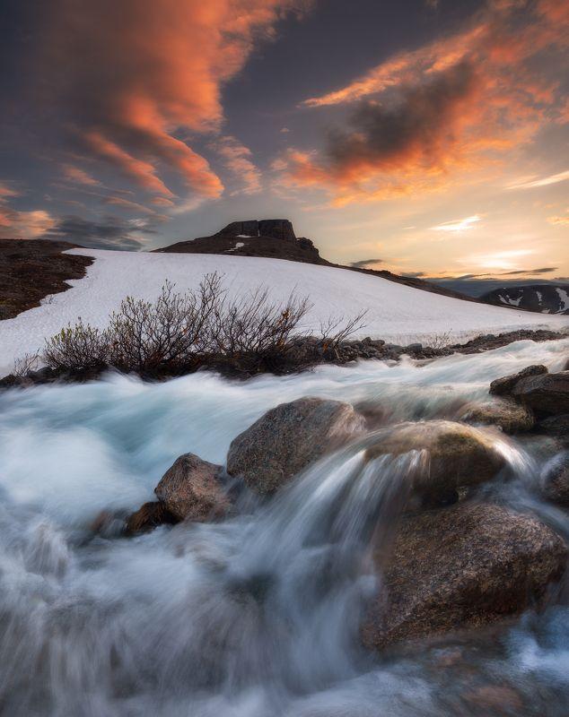 июль,хибины,кольский,север,россия,горы,вода,весна Река Поачвумйокphoto preview