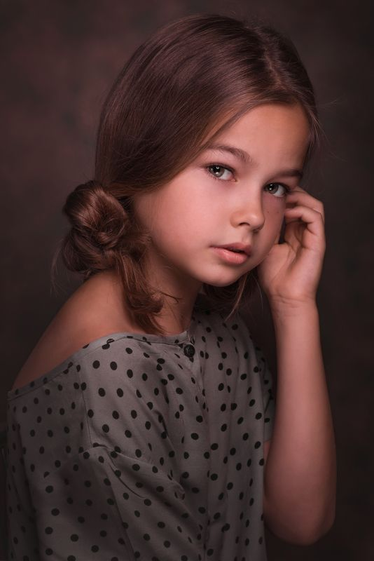 #portrait, #kids, face, child, girl, studio, studio light, toronto,, kostroma, family, fashion, look, model, eyes, kid, female portrait, beauty, nikon, canada Girlphoto preview