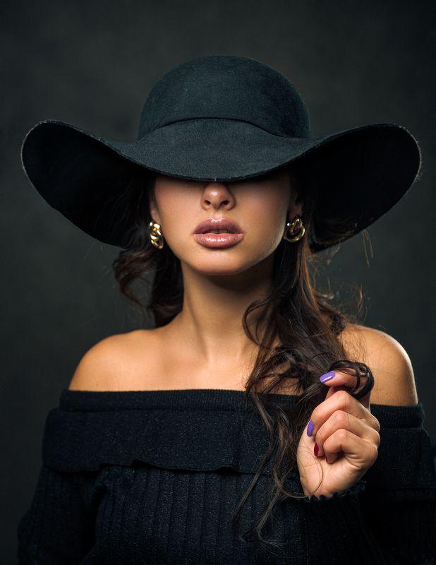 Портрет девушки в шляпе Liliphoto preview