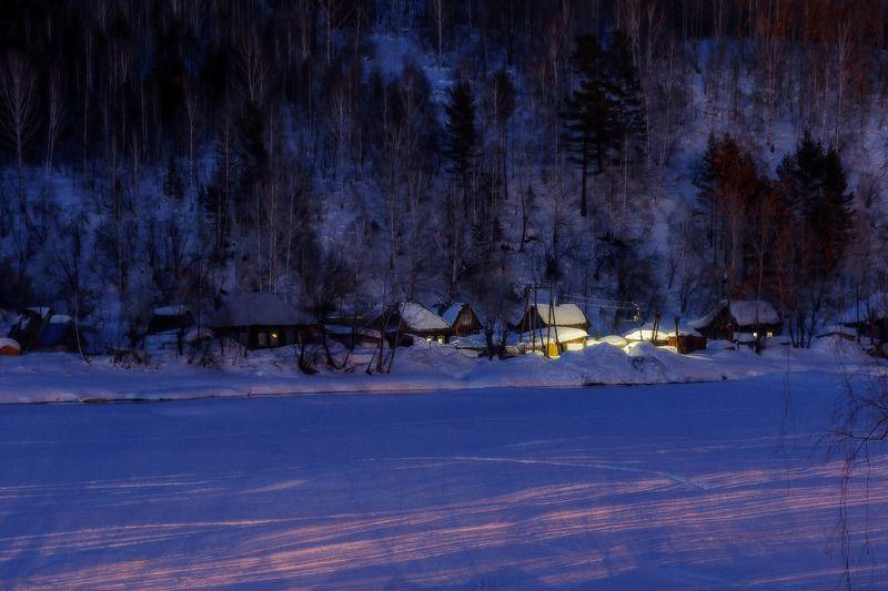 пейзаж, ночь, река, свет, зима  Деревенька photo preview