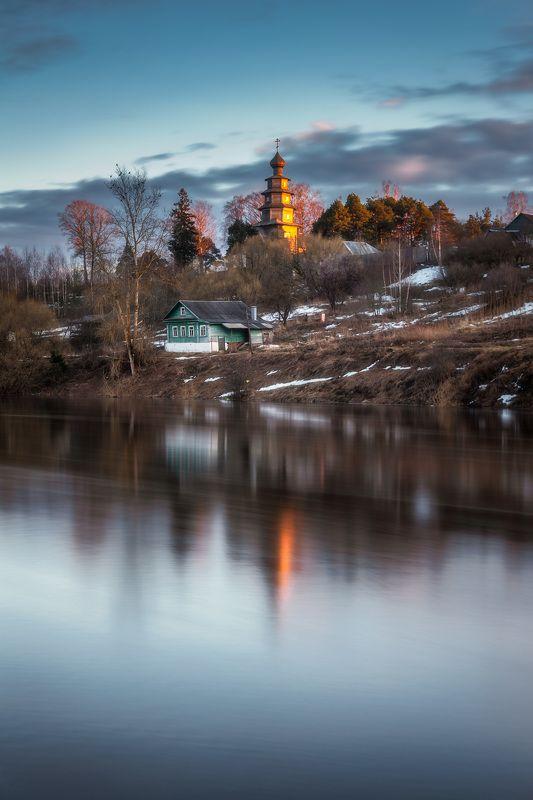 торжок, закат, тверца, деревянный храм В лучах закатаphoto preview