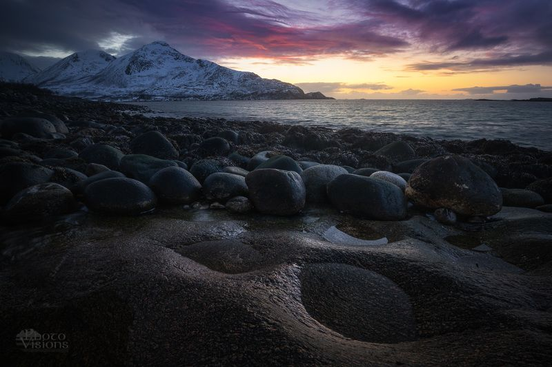 norway,seascape,sea,north,northern,arctic,sunset,night,moody,rocks,stones, Bouldersphoto preview