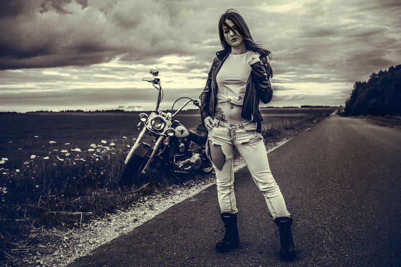девушка, мотоцикл, байкерша Freedomphoto preview