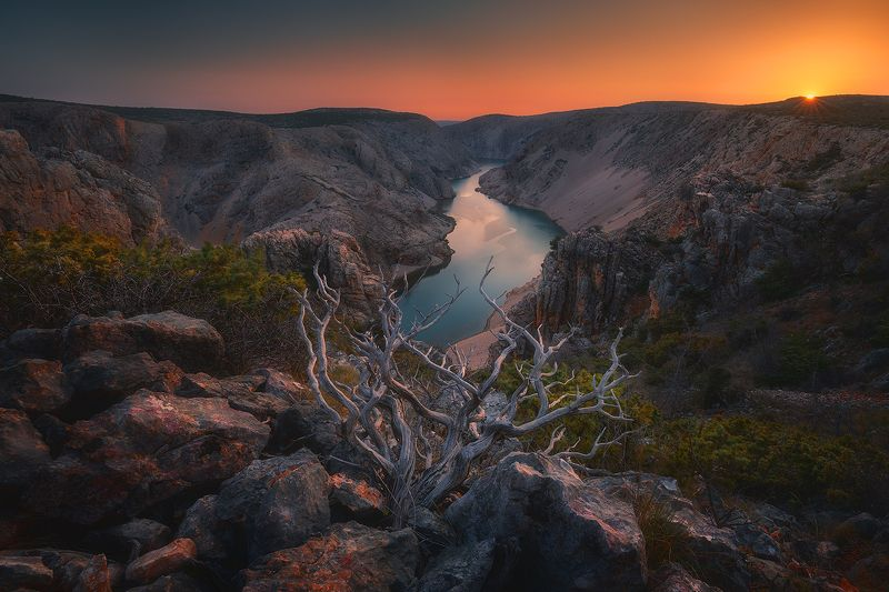 zrmanja, croatia, landscape, sunset, river, sky, canyon, rock, wood  zrmanja фото превью