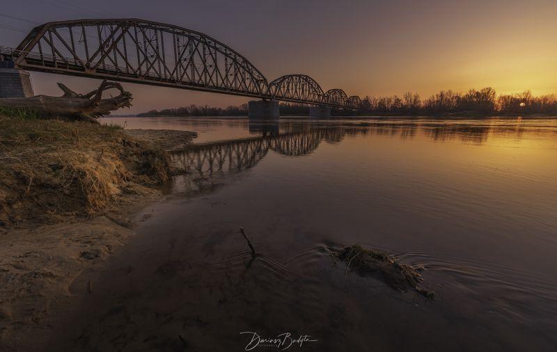 sunrise, spring, river, vistula, reflection, water, sand Bridge at dawn.photo preview