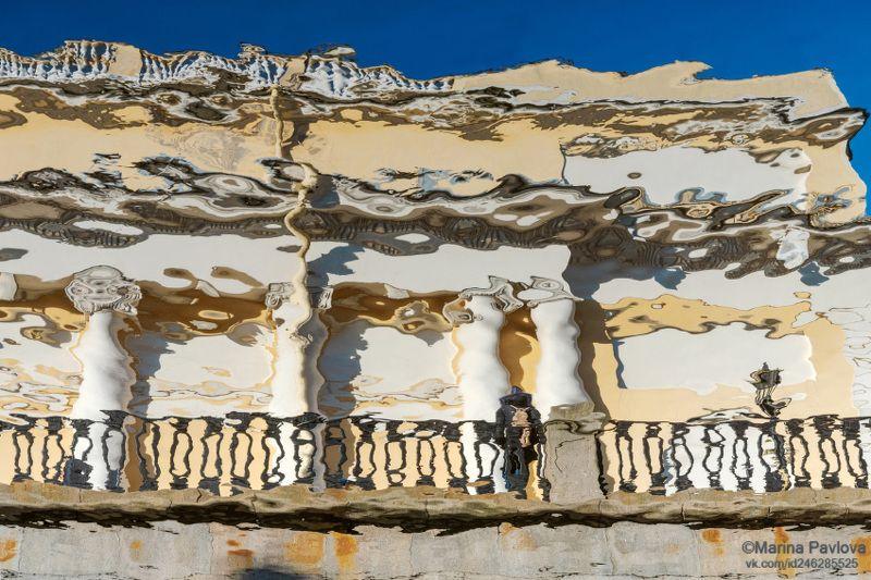 абстракция, акваабстракция, акваграфика, отражения на воде, городские отражения, петербург, петербургские акварели, набережная канала грибоедова, корпус бенуа (русский музей), парейдолия, nikon Графика весеннего Петербургаphoto preview