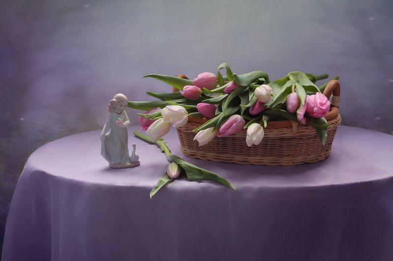 натюрморт, тюльпаны, весна, статуэтка, фарфор, девушка Весенний сон...photo preview