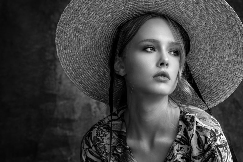 Straw, hat, stripe, woman, portrait Straw hatphoto preview