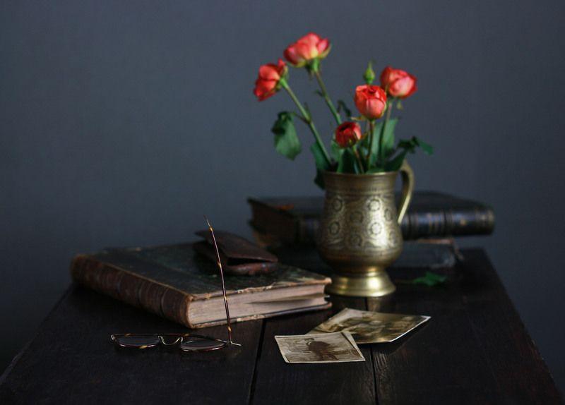 натюрморт, фотонатюрморт, фотографии, книги, розы, очки, наталья казанцева Увядшие розочки...photo preview