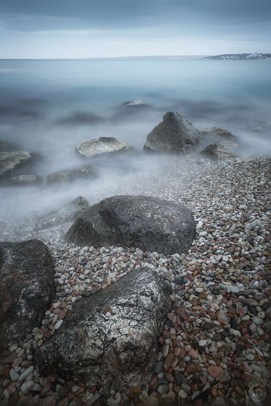 черное море, крым, севастополь Камни пляжа Толстякphoto preview