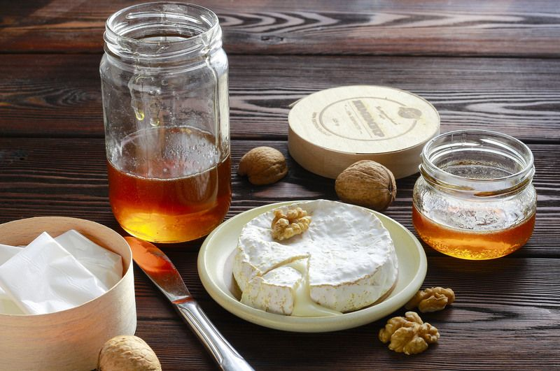 натюрморт, фотонатюрморт,  мёд, сыр, орехи, камамбер, наталья казанцева Немножко вкусностейphoto preview