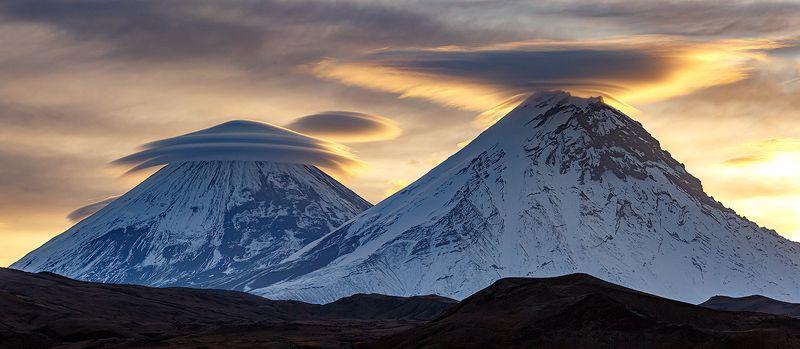 Камчатка, вулкан, облака, природа, путешествие, фототур, пейзаж, рассвет,  Великаны в шляпахphoto preview