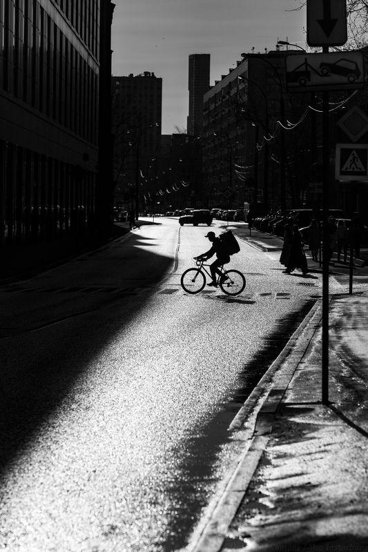 чб, черно-белая фотография, монохром, стритфото, улица, люди, street, street photography, people, bw, bnw, black and white, monochrome, streetphoto,  ***photo preview
