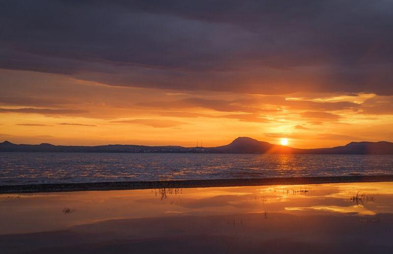 Закат над озером Белёphoto preview