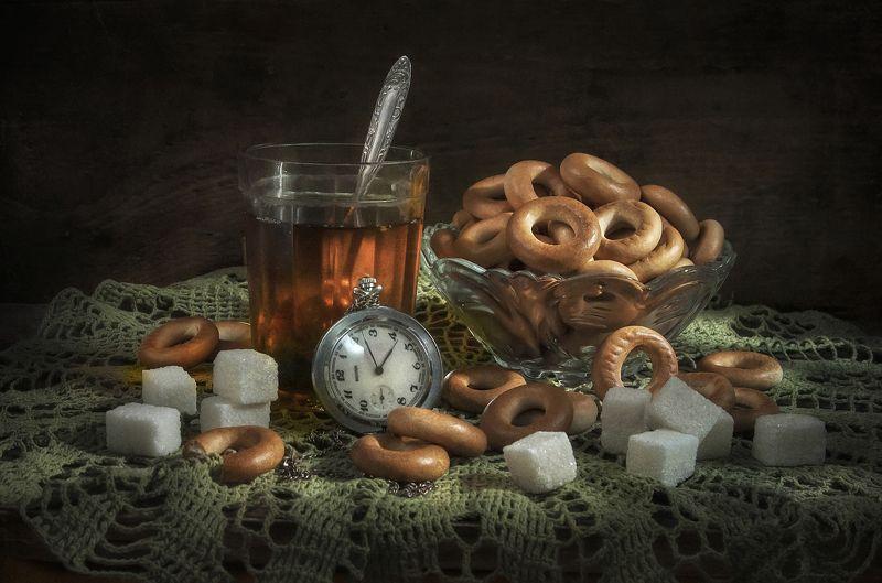 чай,стакан,сушки,книга,время,часы,тёплый,сахар Время чая !photo preview