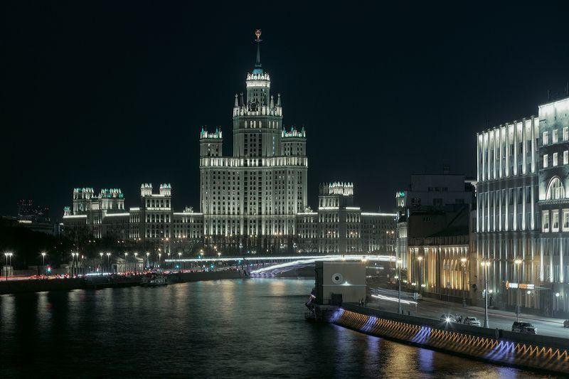 москва, город, архитектура Высотное здание на Котельнической набережнойphoto preview
