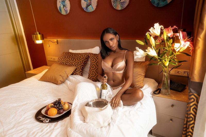 sexy, body, fashion, indoor, pretty, girl, model, beautiful, sweet, colorful, black, bedroom, sony, beauty, face, girl photo preview