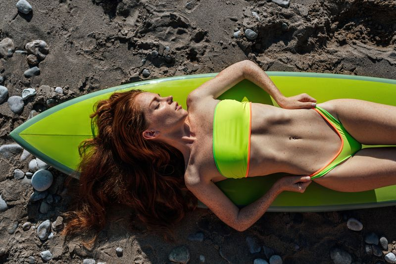 девушка, серфинг, доска для серфинга, зеленый, купальник, пляж, море, лето, 35mm, sony, sigma, body, fashion, horizontal Оксанаphoto preview
