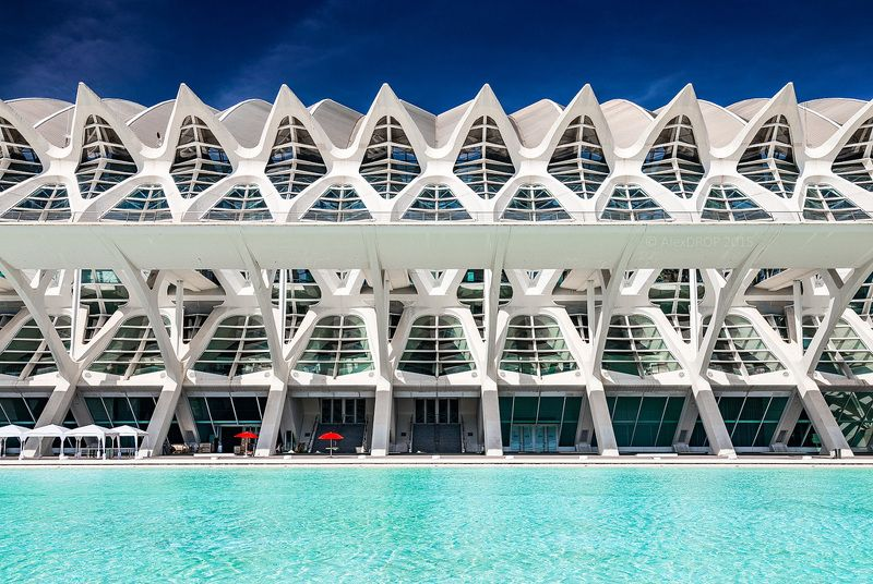 canon, color, postcard, picturesque, landmark, europe, valencia, spain, travel, urban, architecture, iconic, symmetry, geometry, modern Зонтикиphoto preview