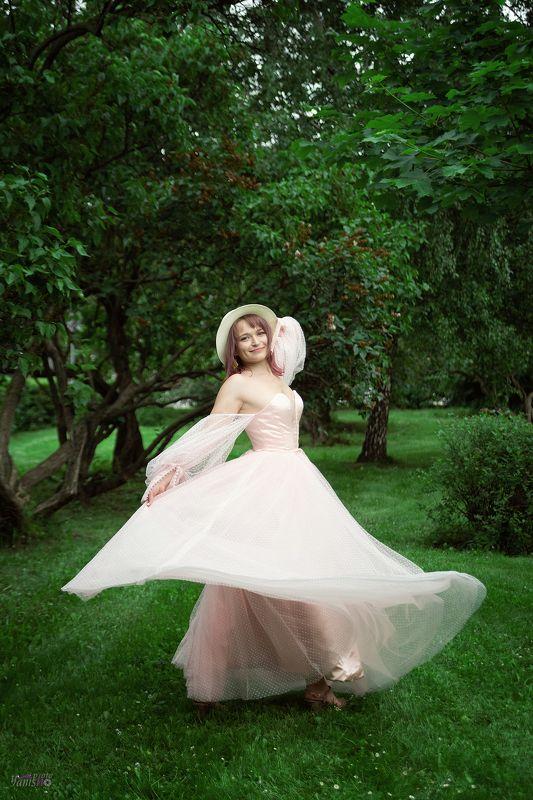девушка, парк, цветение, белый, розовый, романтизм, романтика, лето, ретро, портрет photo preview