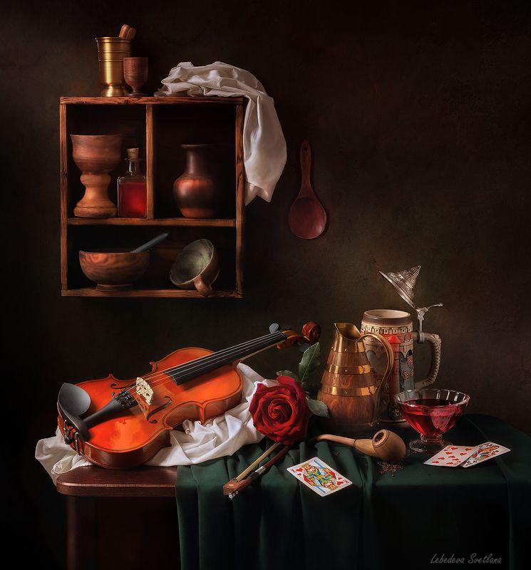скрипка,таверна,карты,вино А в таверне тихо плачет скрипкаphoto preview