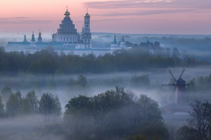 подмосковье, истра, храм, туман, весна Майское утро на Истреphoto preview