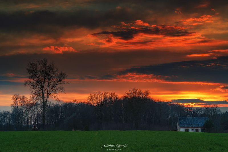 #poland #podlasie #water #sky #storm #clouds #magic #benro #benq #pentax #sunset Sunset...photo preview