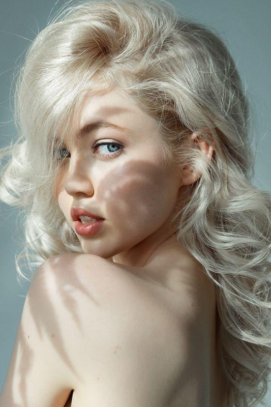 портрет, девушка, студийный портрет, съемка в студии, женский портрет, творческая съемка    \