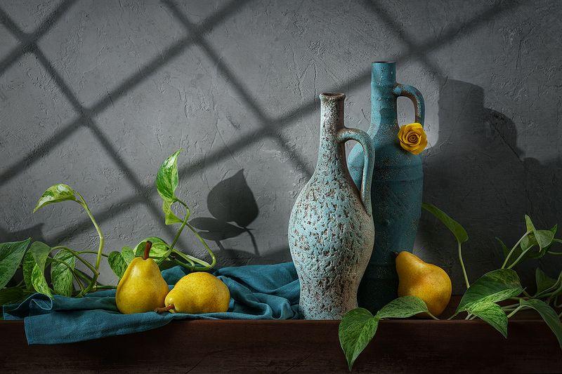 натюрморт, груши, кувшины, фрукты, свет, тени, still life Солнечные грушиphoto preview