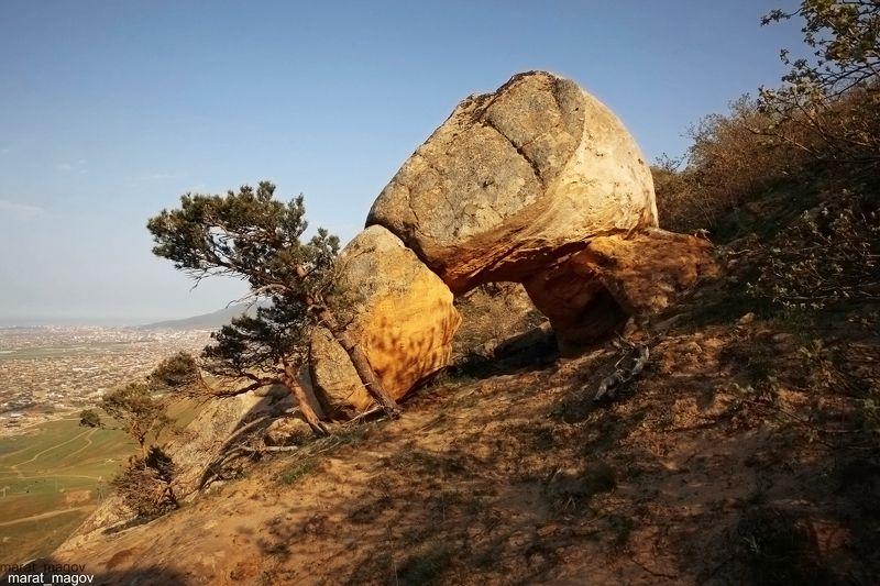 горы,арка,вершины,пейзаж,небо,деревья,дагестан,природа, Природная арка..photo preview