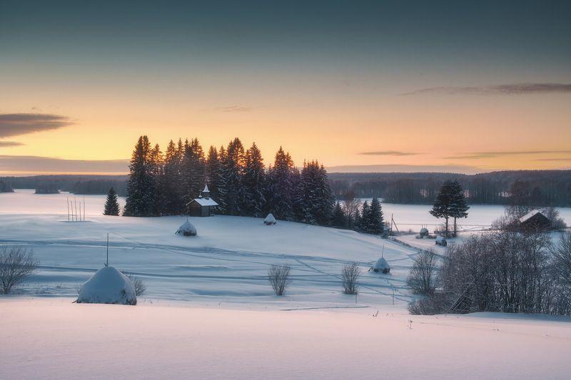 россия, архангельская область, русский север, кенозеро, кенозерье, национальный парк, пейзаж, природа, церковь, озеро, мыза, закат, лед, зима, снег Мызаphoto preview