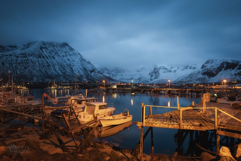 norway,arctic,northern,north,night,harbor,boats,tromvik,tromsoe,tromso, Harbor at nightphoto preview