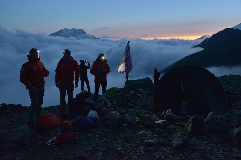 Кавказ, Россия, горы, восхождение, альпинизм, спорт, экстрим, высота, лагерь, вечер, шагнивнеизведанное Эльбрусиада (из цикла)photo preview