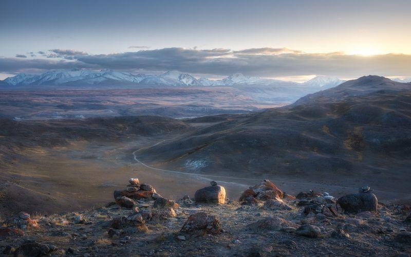 алтай, горный алтай, горы, чуйская степь, южно-чуйский хребет, степь, осень, сентябрь, altai mountains Укрывшись на ночьphoto preview