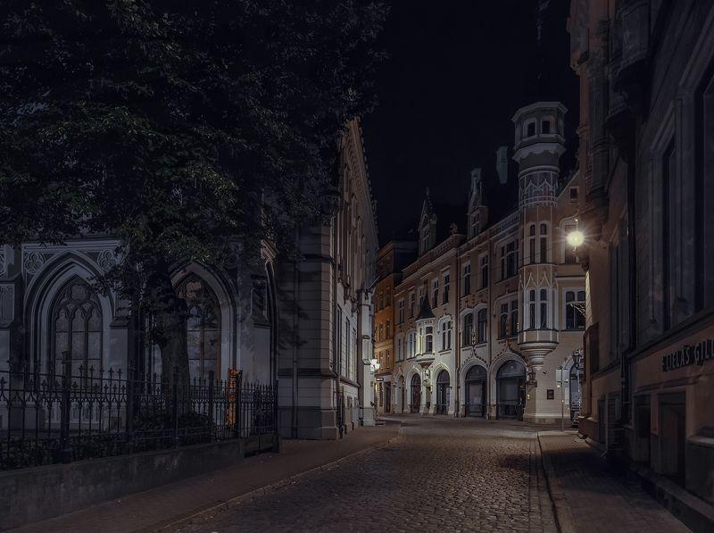 ....ночью в тихих улочках Риги.photo preview