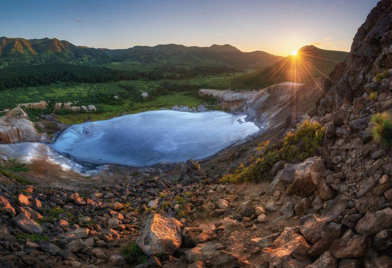 кунашир, курилы Кальдера вулкана Головнина. Кунашир.photo preview