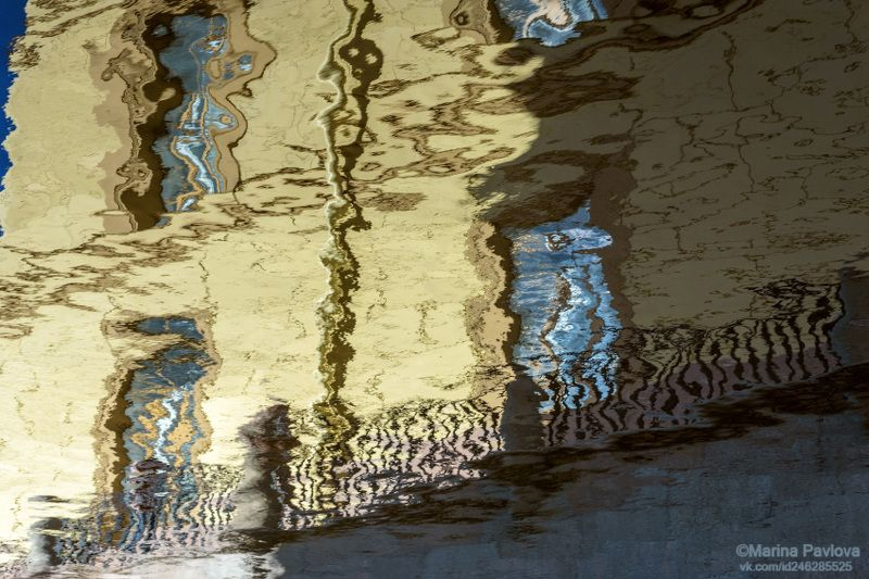 абстракция, акваабстракция, акваграфика, отражения на воде, парейдолия, зимнняя канавка, весенние отражения, петербургские акварели, nikon Хитрый синий крокодил и другие обитатели параллельного мира Зимней канавкиphoto preview