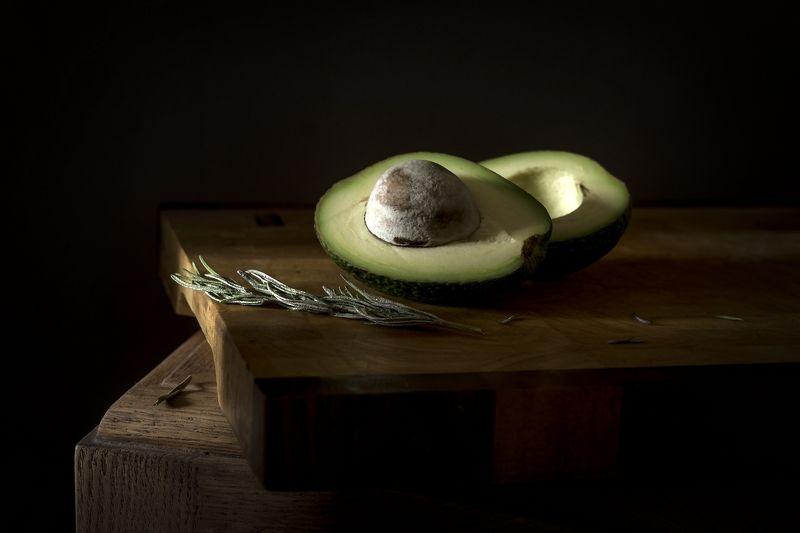 Авокадо с веточкой розмаринаphoto preview