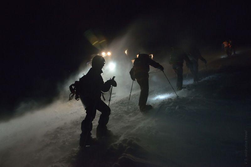 Эльбрус, Кавказ, Россия, горы, восхождение, альпинизм, спорт, экстрим, высота, снег, ночь, шагнивнеизведанное Эльбрусиада (из цикла)photo preview
