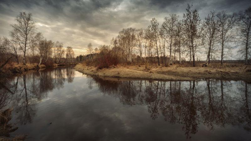 озеро, горы, лес, природа, закат, рассвет, красота, приключения, путешествие, облака, урал Отражение. Половодье на реке Искаphoto preview